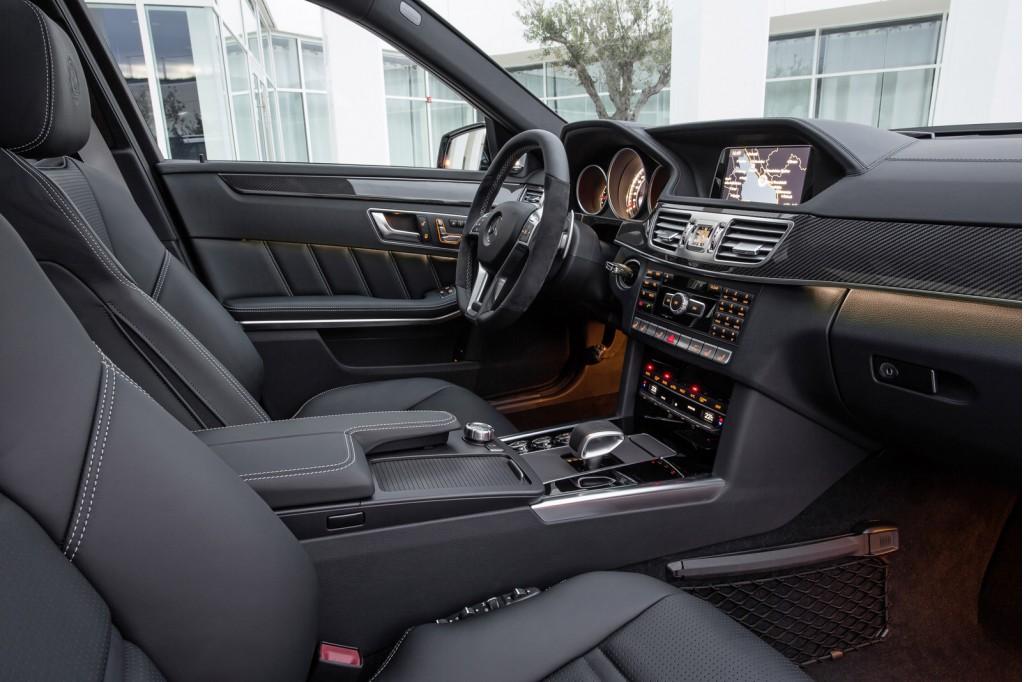 La Mercedes-Benz E63 AMG réstylée 2013 (W212) W212_ph2_amg-01