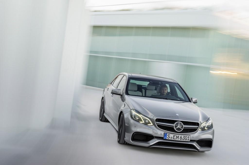 La Mercedes-Benz E63 AMG réstylée 2013 (W212) W212_ph2_amg-11