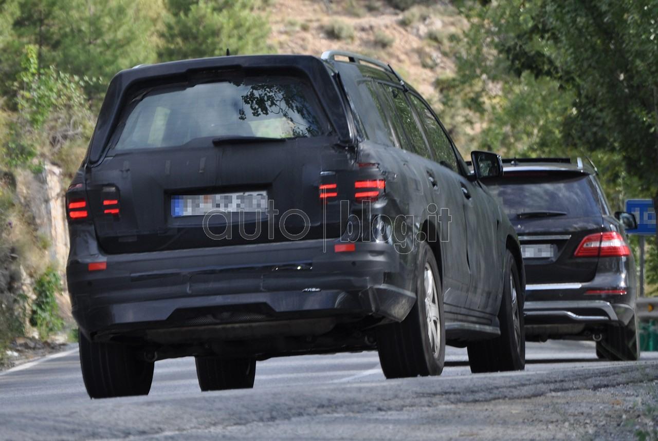 Le Nouveau Mercedes Benz GL (X166) X166_GL-12