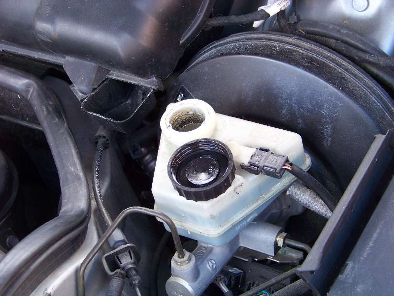 [Tuto] W210 - Changement Plaquettes de frein AR modèle 1 trou 100_1481