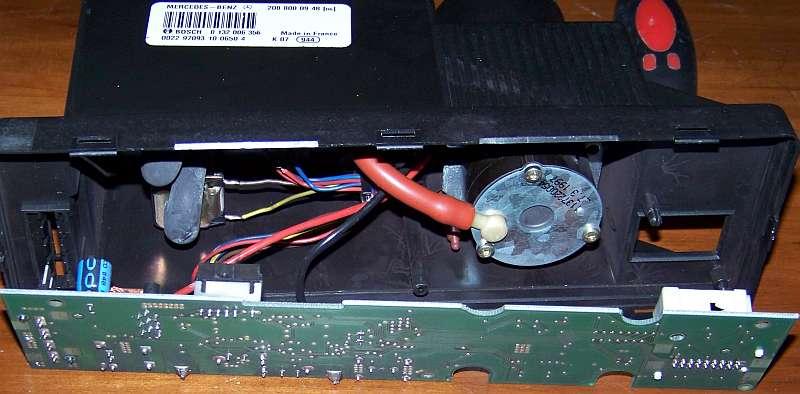 [Tuto-Brico] W210 C208 - Réparation Pompe à dépression de centralisation. 100_2563