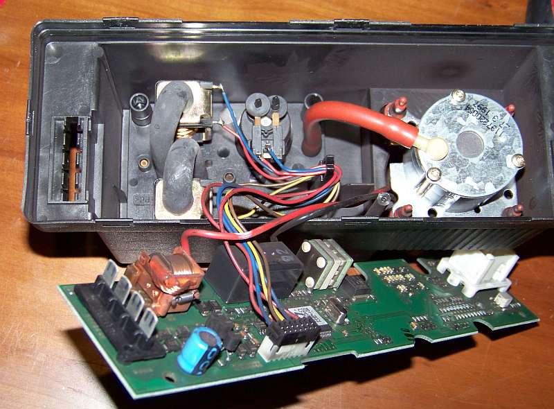 [Tuto-Brico] W210 C208 - Réparation Pompe à dépression de centralisation. 100_2564