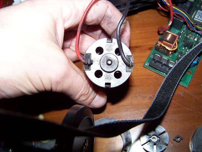 [Tuto-Brico] W210 C208 - Réparation Pompe à dépression de centralisation. 100_2572