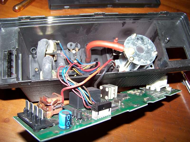 [Tuto-Brico] W210 C208 - Réparation Pompe à dépression de centralisation. 100_2582