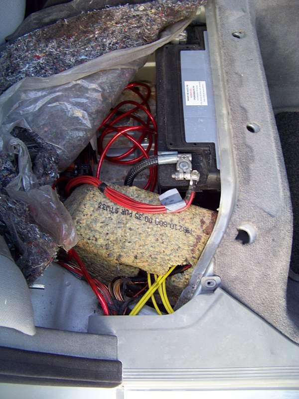 [Tuto-Brico] W210 C208 - Réparation Pompe à dépression de centralisation. 100_2588