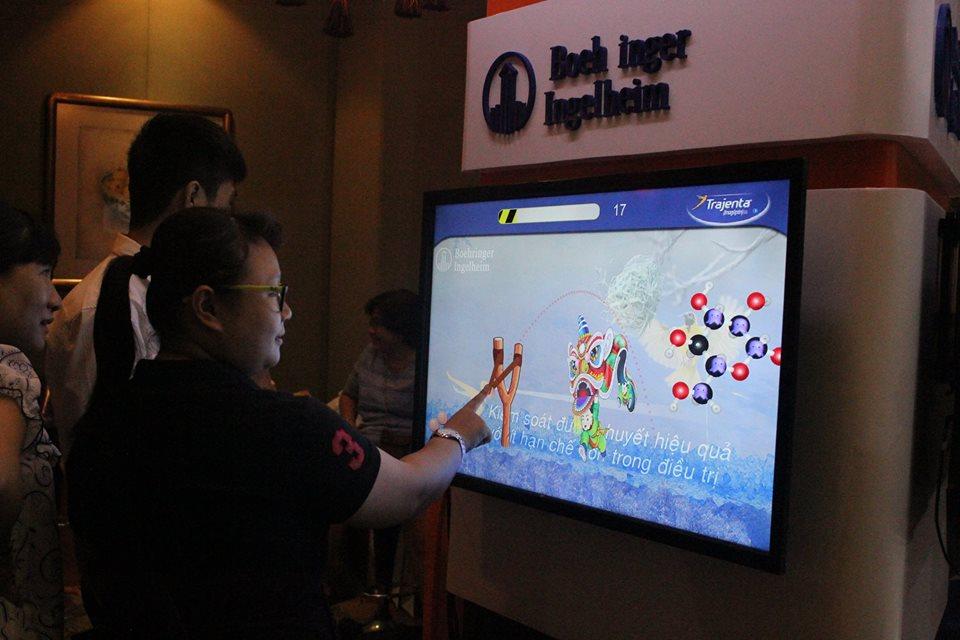 Cho thuê màn hình cảm ứng 40 inch 1731b76cb60905d45e33c15119359496