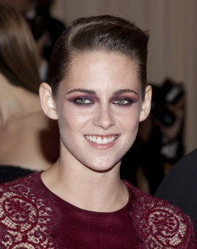 Kristen Stewart - Imagenes/Videos de Paparazzi / Estudio/ Eventos etc. - Página 31 2217e6253083157