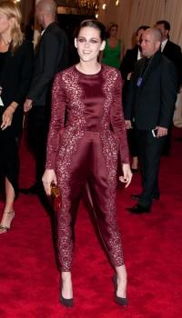Kristen Stewart - Imagenes/Videos de Paparazzi / Estudio/ Eventos etc. - Página 31 D8b8a6253097407