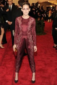 Kristen Stewart - Imagenes/Videos de Paparazzi / Estudio/ Eventos etc. - Página 31 2fea60253107992