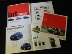 Brochures Twingo 1 et 2 au profit de l'association A7af6a253987289
