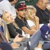 Taylor Lautner - Imagenes/Videos de Paparazzi / Estudio/ Eventos etc. - Página 39 824ee8256336585