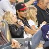 Taylor Lautner - Imagenes/Videos de Paparazzi / Estudio/ Eventos etc. - Página 39 Ad02d2256336574