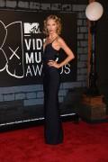 Taylor Swift - 2013 MTV Video Music Awards at the Barclays Center in New York   25-08-2013  10x E05da3272344864
