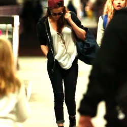 Kristen Stewart - Imagenes/Videos de Paparazzi / Estudio/ Eventos etc. - Página 31 55c58c229010935