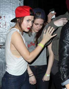 Kristen Stewart - Imagenes/Videos de Paparazzi / Estudio/ Eventos etc. - Página 31 97968e241587613