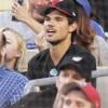 Taylor Lautner - Imagenes/Videos de Paparazzi / Estudio/ Eventos etc. - Página 39 298e78256336565