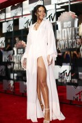 Rihanna 2014 MTV Movie Awards in LA 13.04.2014 (x20) 7f5e47320696355