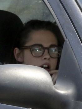 Kristen Stewart - Imagenes/Videos de Paparazzi / Estudio/ Eventos etc. - Página 31 Af6077255553428