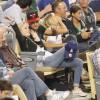 Taylor Lautner - Imagenes/Videos de Paparazzi / Estudio/ Eventos etc. - Página 39 125e3b256336600