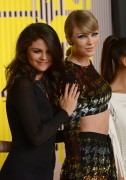 """Selena Gomez """"2015 MTV Video Music Awards at Microsoft Theater in Los Angeles"""" (30.08.2015) 780x updatet F7ee37433420009"""