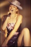 Kylie Minogue - Страница 29 97a4d0436070498