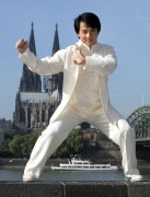 Джеки Чан (Jackie Chan) - Photocall in Colonia, Germany, February 16 2011 - 3xHQ  Daa2e6450540493