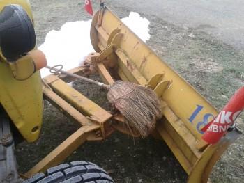 Komunalna oprema za traktore - Page 10 A184b8461045233