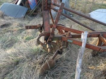 Otpad poljoprivrednom mehanizacijom 11a70a462114800
