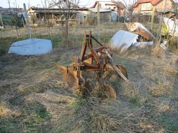 Otpad poljoprivrednom mehanizacijom 28e852462115550