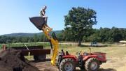 Zadnji traktorski utovarivač - Page 2 Ae40be467695039