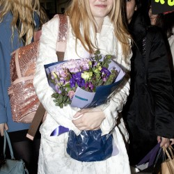 Dakota Fanning / Michael Sheen - Imagenes/Videos de Paparazzi / Estudio/ Eventos etc. - Página 6 02f9d4230664748