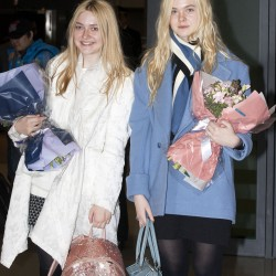 Dakota Fanning / Michael Sheen - Imagenes/Videos de Paparazzi / Estudio/ Eventos etc. - Página 6 791bac230665704