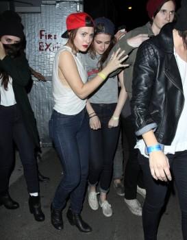 Kristen Stewart - Imagenes/Videos de Paparazzi / Estudio/ Eventos etc. - Página 31 31f2ab241587574