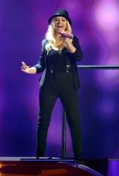 [Fotos+Video] Pitbull & Christina Aguilera cantaron en los Kids' Choice Awards 2013 - Página 4 D9a517245124076