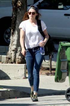 Kristen Stewart - Imagenes/Videos de Paparazzi / Estudio/ Eventos etc. - Página 31 2b9473252969300