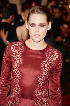 Kristen Stewart - Imagenes/Videos de Paparazzi / Estudio/ Eventos etc. - Página 31 7c013a253063843