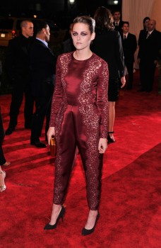 Kristen Stewart - Imagenes/Videos de Paparazzi / Estudio/ Eventos etc. - Página 31 Ba398d253076503