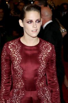 Kristen Stewart - Imagenes/Videos de Paparazzi / Estudio/ Eventos etc. - Página 31 88a0ea253088439