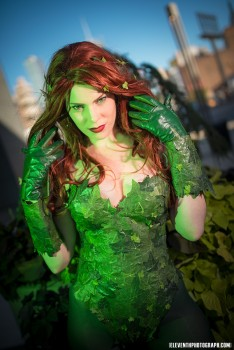 Cosplays Go ! - Page 50 81d37b292730852