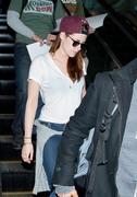 Kristen Stewart - Imagenes/Videos de Paparazzi / Estudio/ Eventos etc. - Página 31 D96f34231915035