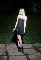 Dakota Fanning / Michael Sheen - Imagenes/Videos de Paparazzi / Estudio/ Eventos etc. - Página 6 7334f2253983273