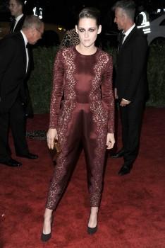 Kristen Stewart - Imagenes/Videos de Paparazzi / Estudio/ Eventos etc. - Página 31 3d4f89253088303