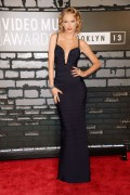 Taylor Swift - 2013 MTV Video Music Awards at the Barclays Center in New York   25-08-2013  10x B9d690272344925