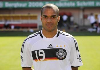 A-Z.... surname footballer!!! 21633d366945324