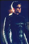 Люди Икс 2 / X-Men 2 (Хью Джекман, Холли Берри, Патрик Стюарт, Иэн МакКеллен, Фамке Янссен, Джеймс Марсден, Ребекка Ромейн, Келли Ху, 2003) 8e1ada334088585