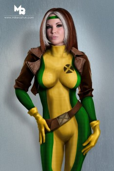 Cosplay et Photoshop - Page 4 82ba6c312339283
