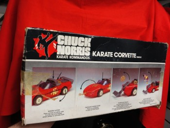 Dossier Chuck Norris - Karate Kommandos - Page 2 9ea524319874372
