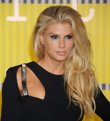 """Charlotte McKinney """"2015 MTV Video Music Awards at Microsoft Theater in Los Angeles"""" (30.08.2015) 33x  updated x3 3d81d5432966356"""