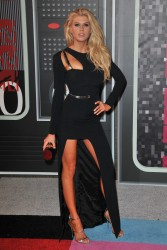 """Charlotte McKinney """"2015 MTV Video Music Awards at Microsoft Theater in Los Angeles"""" (30.08.2015) 33x  updated x3 59d17e433237805"""