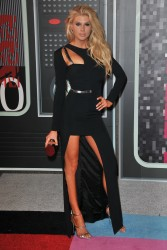 """Charlotte McKinney """"2015 MTV Video Music Awards at Microsoft Theater in Los Angeles"""" (30.08.2015) 33x  updated x3 9d491d433237776"""